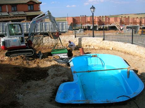 Empresa de construcci n de piscinas en madrid segovia y for Construccion piscinas madrid