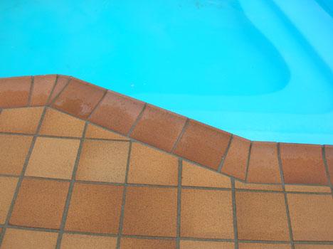 Gres para piscinas cool la oferta de sistemas especiales for Gres de breda para piscinas
